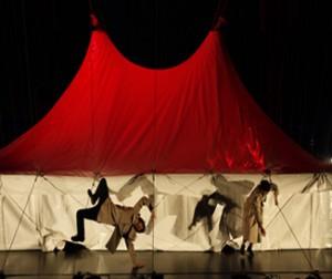Les créations de cirque contemporain passent par Antony. Ici : Aurélien Bory